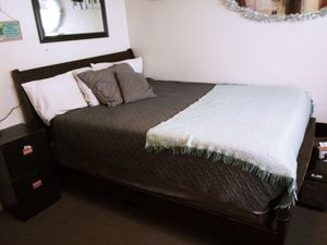 5 piece Bedroom set for Sale in Anacortes, WA