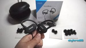 Anker Bluetooth Curve Headphones with Mic for Sale in Spring, TX