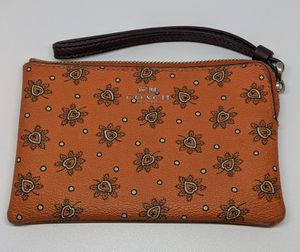 COACH Accordion Zip Wallet Forest Bud Floral Print 11881 CORAL MULT/SILVER ~NWT~ for Sale in Pittsburgh, PA