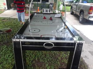 Air hockey table for Sale in Houston, TX