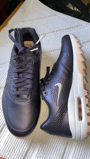 Nike Air Max women's 8 new golf shoes plum /Silver size 8 for Sale in Chicago, IL
