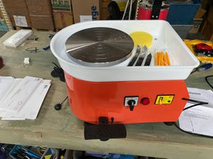 Electric Pottery Wheel for forming clay for Sale in St. Petersburg, FL