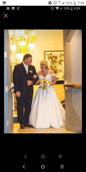 Wedding dress for Sale in Pennsauken Township, NJ