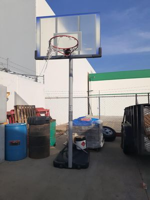 Basketball Hoop for Sale in HUNTINGTN BCH, CA