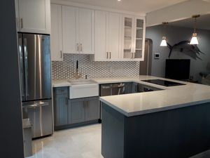 Kitchen cabinets ...n refacing for Sale in Fort Lauderdale, FL