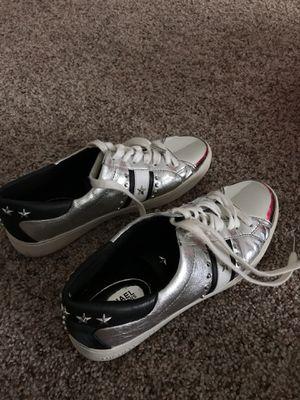 Michael kors sneakers for Sale in Mt. Juliet, TN