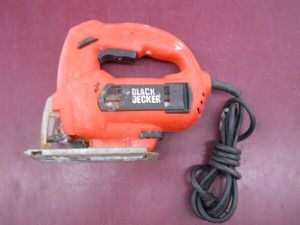 Jig saw with blades black & decker - price is firm / not negotiable for Sale in Columbus, OH