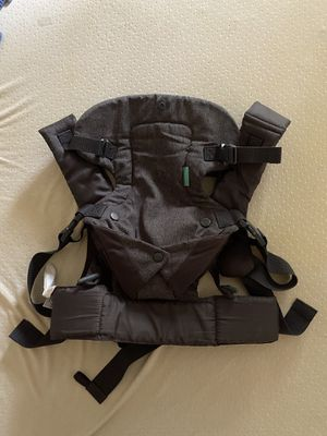 Infantino Baby Carrier for Sale in Grand Prairie, TX