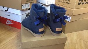 Navy Uggs with Bow on the Back for Sale in McKinney, TX