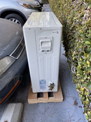 Air-Con Room Air-conditioner outside unit. for Sale in Cerritos, CA