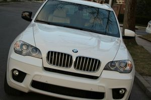 2OO9 BMW X5 SUV AutomaticV8 for Sale in Worcester, MA