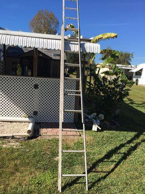 Nice lightweight extension ladder 16 ft extended for Sale in Lakeland, FL