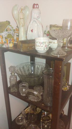 House decor and wooden cabinet shelfs for Sale in Las Vegas, NV