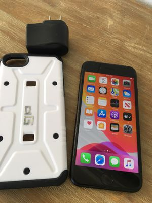 iPhone 7 - BLACK - UNLOCKED - 32GB for Sale in Fresno, CA