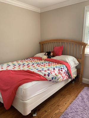 Full bed for Sale in West Bloomfield Township, MI
