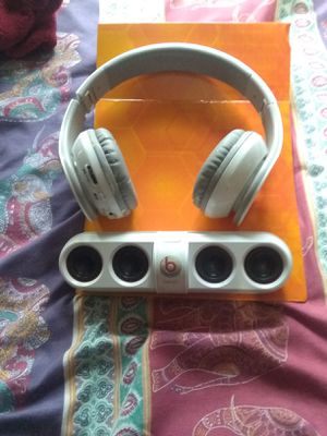 Head phones and speaker for Sale in Houston, TX