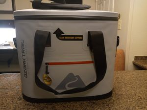 Brand New Ozark Trail Ice Chest for Sale in Fairfield, CA