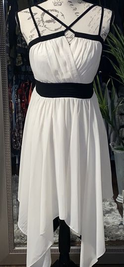 Black And Cream Flowy Dress for Sale in College Park,  GA