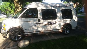1999 Chevy Express conversion van high top for Sale in Detroit, MI