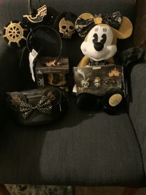 Pirates of the Caribbean Minnie Mouse Ears, Plush, Bag, Mug and Pin Set for Sale in Oldsmar, FL