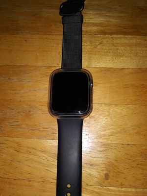 apple watch series 4 Sport 44mm (gps + cellular) for Sale in Apple Valley, CA