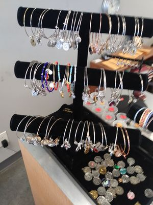 European bangle mix styles for Sale in Detroit, MI