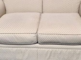 Drexel Couch / Loveseat! Can Be Delivered For Free! for Sale in Saint Charles,  MO