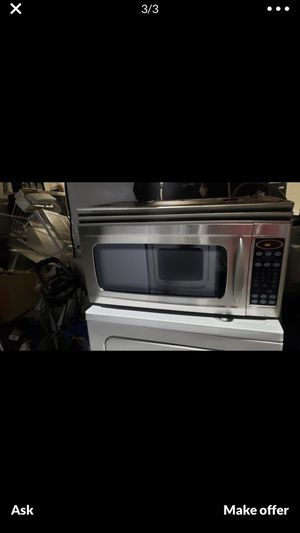 Maytag over the range microwave with screws and brackets for Sale in Kissimmee, FL