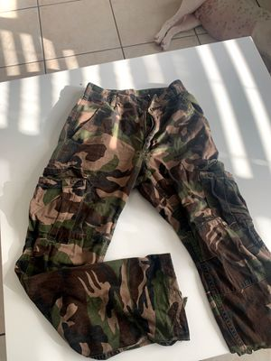 Camo pants size S for Sale in Miami Beach, FL
