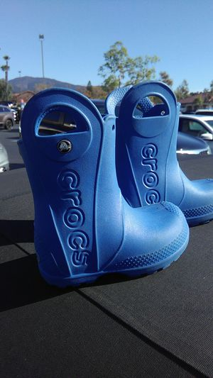 Kids size 8 Crocs rain boots in brand new condition for Sale in Santa Ana, CA