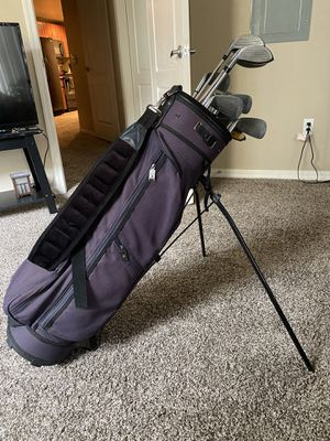 GOLF CLUBS (Right Handed) Comes with Bag for Sale in Mesa, AZ