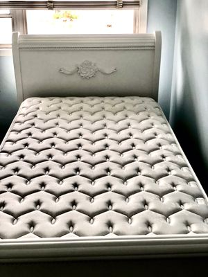 Trundle Sleigh bed (two beds in one) for Sale in Whittier, CA
