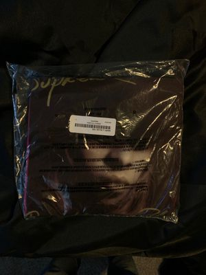 SUPREME MARY J BLIGE TEE MAGENTA SIZE LARGE BRAND NEW for Sale in FL, US