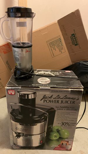 Nutribullet with add-ons and Juicer set for Sale in Boston, MA