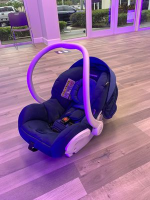 Mico Max 30 Car Seat for Sale in Miami, FL