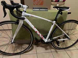 Giant Avail bicycle Inspire White/Pink XS (43) WOMEN'S bike for Sale in Fresno, CA