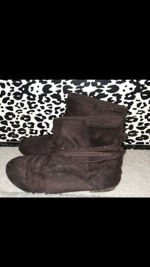 Girls size 1 Brown boots for Sale in Spring Hill, FL