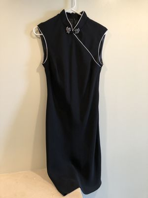 EVAN PICONE Black White Lined Short Sleeve Asian Career or Formal Cheongsam Dress Size 8. Below knee. Washable but was just dry cleaned. Smoke free h for Sale in Washington, DC
