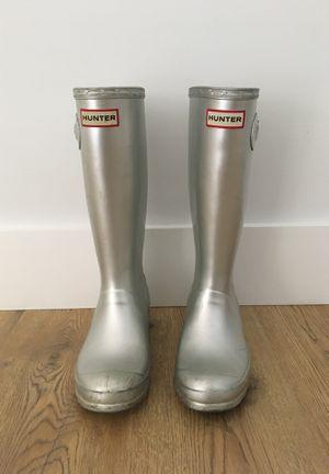 Hunter rain boots shiny silver for Sale in Smyrna, TN
