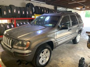 Jeep grand cheroke 2004 4x4 limited edition for Sale in Tampa, FL