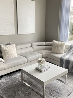 White Sectional (Faux Leather) for Sale in Beaverton,  OR