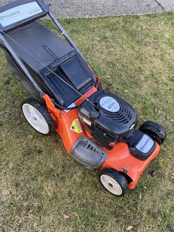 Husqvarna Self Propelled Lawnmower for Sale in Tacoma,  WA