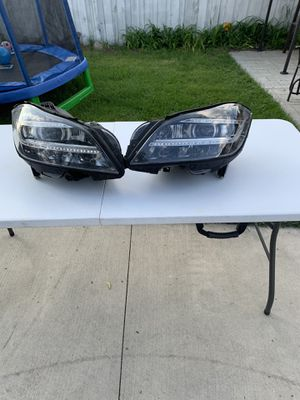 2012-2014 Mercedes Cls 550 headlights for Sale in Dearborn Heights, MI