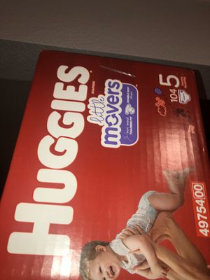 Huggies Little Movers Size 5 (104) for Sale in Las Vegas, NV