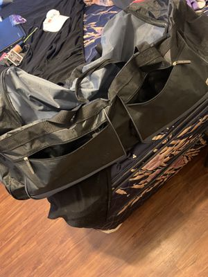Rolling Duffle Bags for Sale in Hesperia, CA