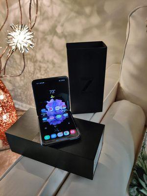 Unlocked Samsung Galaxy Z Flip for Sale in Tampa, FL
