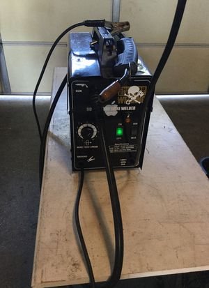 90 amp Flux core wire welder for Sale in Gardena, CA