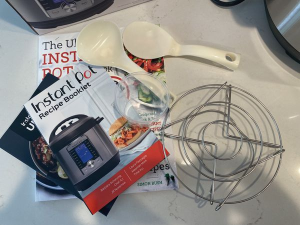 Instant Pot Ultra 10-in-1 + The Ultimate Instant Pot cookbook