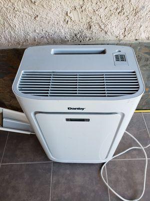 Portable AC unit 8000 btu for Sale in Henderson, NV