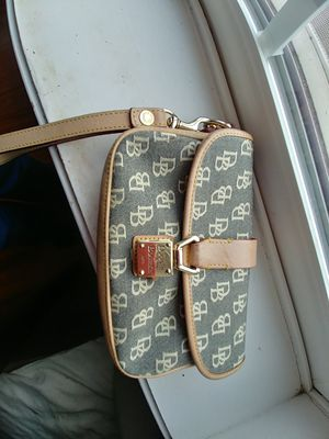Dooney & Bourke small wristlet for Sale in Yalesville, CT